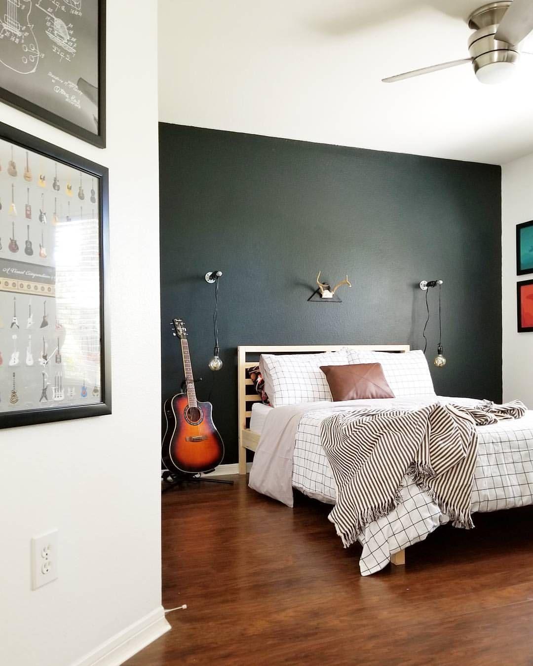 green bedroom wall